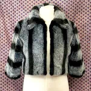 Kaity brand cropped faux fur jacket sz S